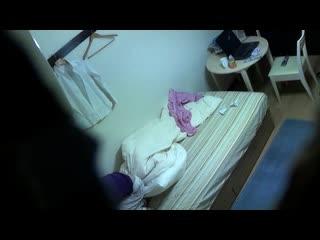 超可愛いすぎる美足美10代小娘のピンクローターおなにーを秘密撮影に成功wwM字開脚したまんこにピンクローターを押し当て顔を歪める☆
